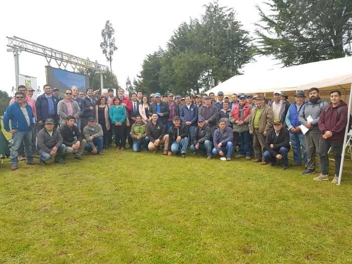 AGRICULTORES DE PAPA RECIBEN RECONOCIMIENTO TRAS TERMINO DE CAPACITACIÓN DE INIA