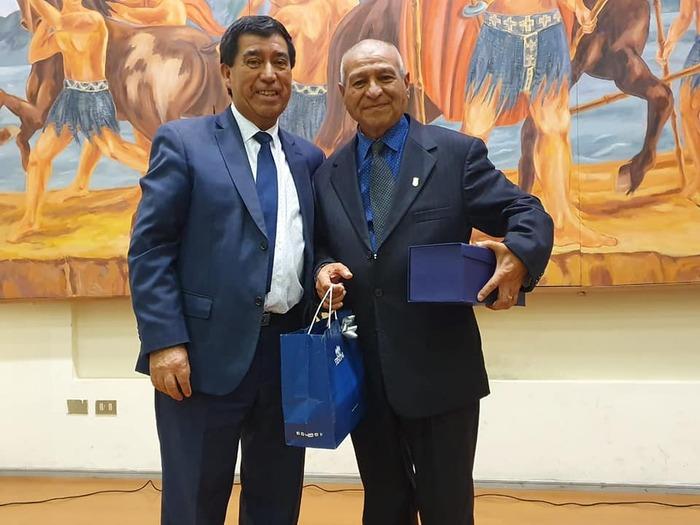 RECONOCEN LOS AÑOS DE SERVICIO DE FUNCIONARIOS MUNICIPALES