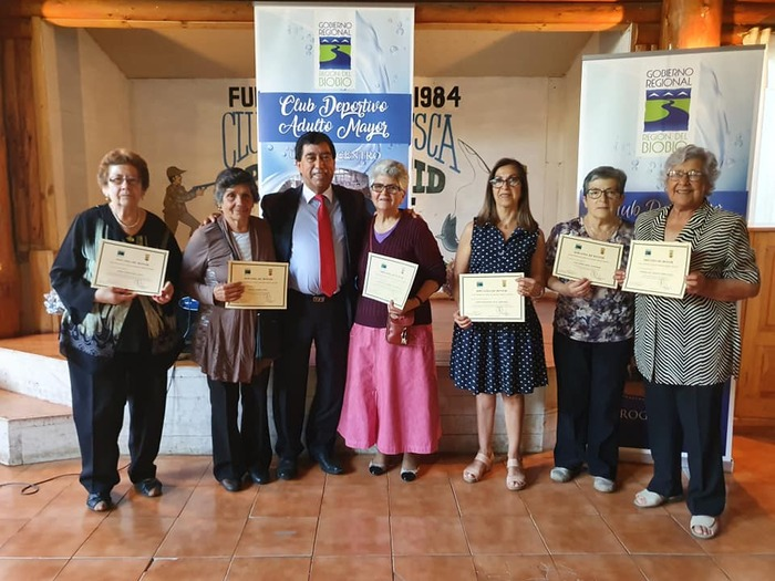 EXITOSO CIERRE TUVIERON TALLERES DE HIDROGIMNASIA Y GIMNASIA ENTRETENIDA PARA ADULTOS MAYORES