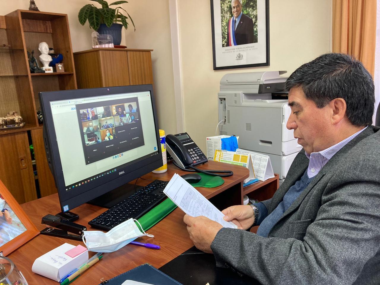 ALCALDE RADONICH SE REÚNE CON SUBSECRETARIO DE VIVIENDA Y EXPONE PRINCIPALES PROYECTOS HABITACIONALES QUE REQUIEREN APOYO ESTATAL EN LA COMUNA