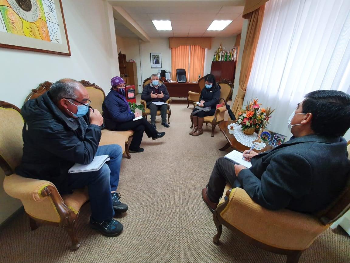 ALCALDE RECIBE A DIRECTIVA DEL COLEGIO DE PROFESORES PARA TRATAR TEMAS RELACIONADOS CON UN SUPUESTO RETORNO A CLASES PRESENCIALES
