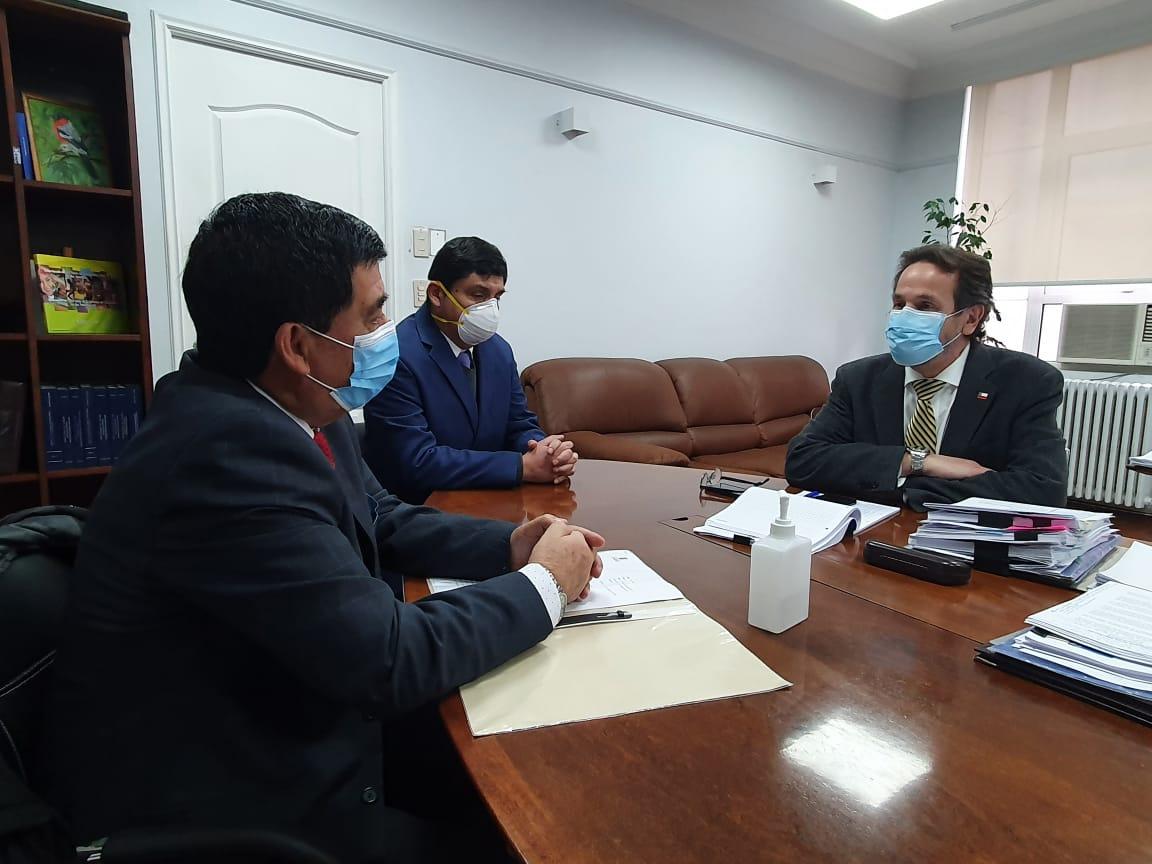 ALCALDE RADONICH SE REÚNE CON SUBSECRETARIO DE REDES ASISTENCIALES PARA GESTIONAR MEJORAS EN EL ÁREA DE LA SALUD MUNICIPAL