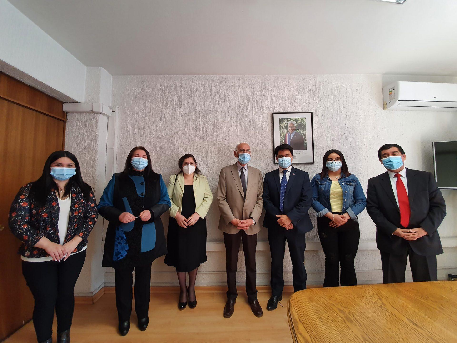 Alcalde Radonich se reúne con subsecretario de educación en Santiago
