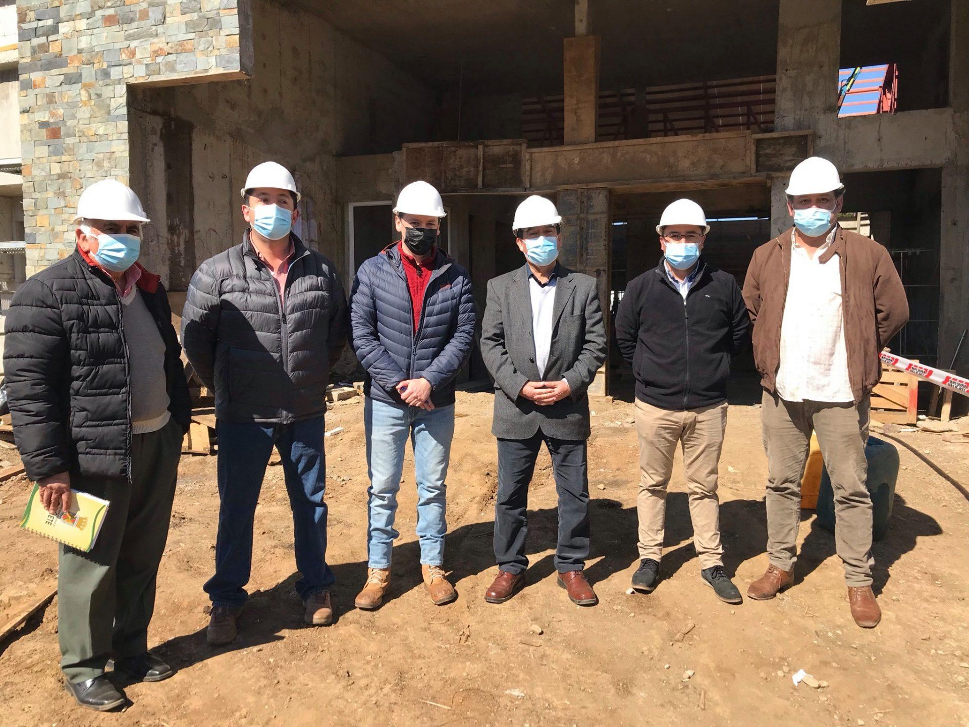 Concejo Municipal de Cañete visita las obras del Polideportivo La Granja